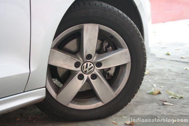 VW Jetta TSI wheel