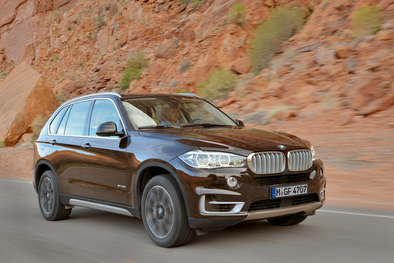 2014 BMW X5 brown front three quarter right