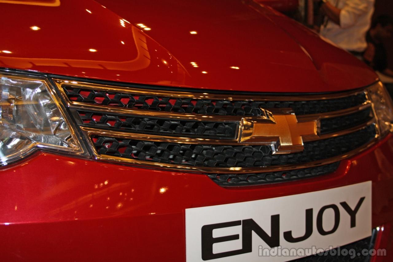 Chevrolet Enjoy front grill