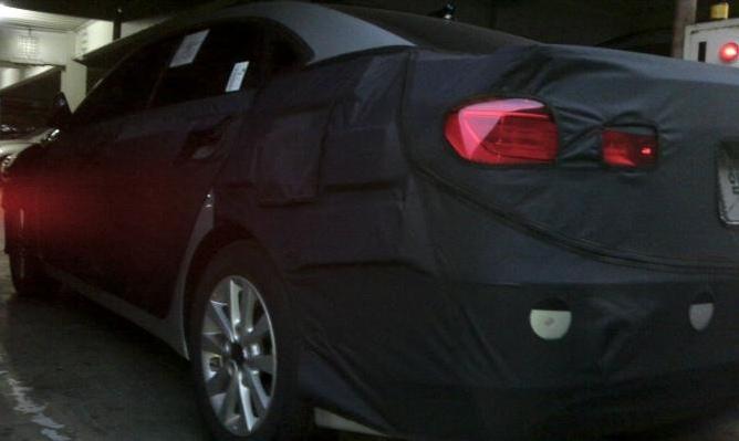 Hyundai Mistra spied rear
