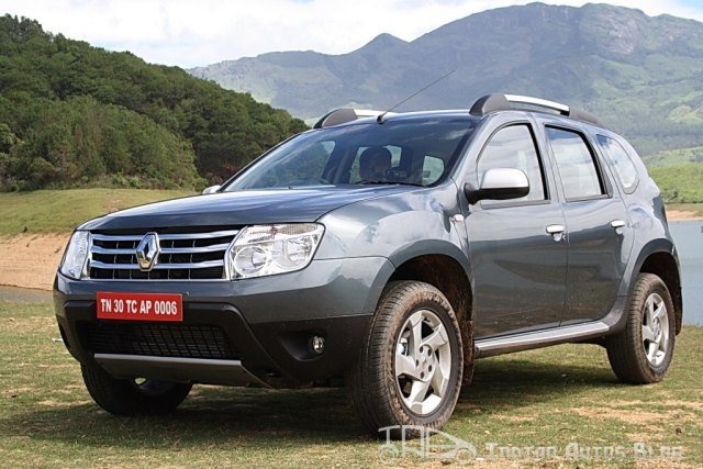 Renault Duster front quarter left
