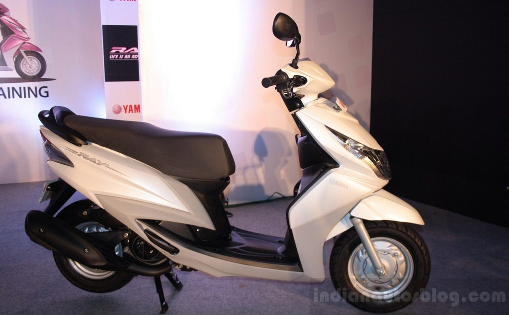 Yamaha Ray white side