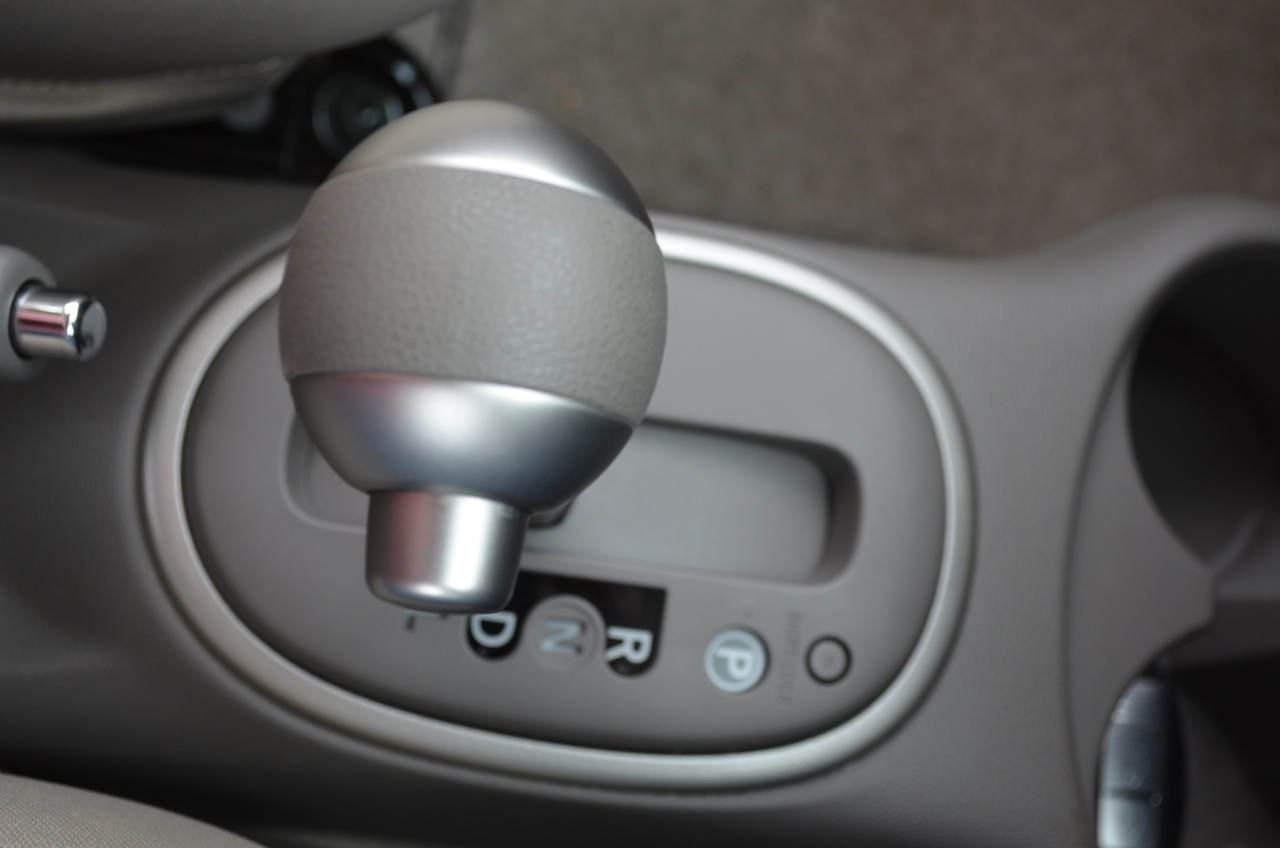 Nissan march autogear
