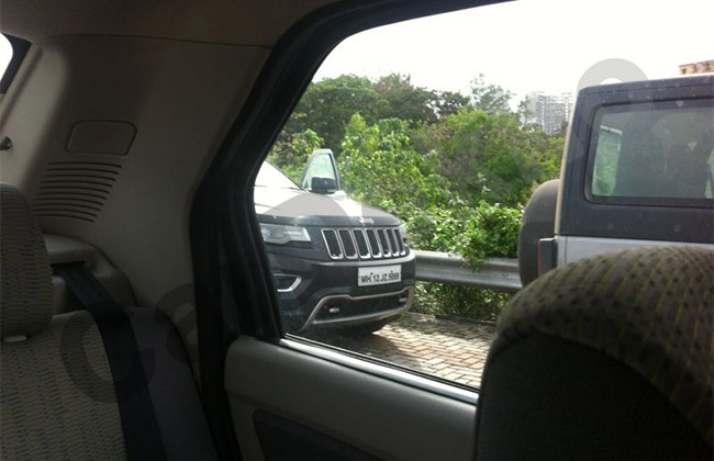2014 Jeep Grand Cherokee spied in India front