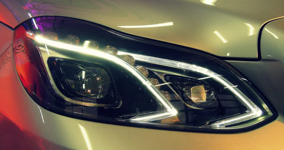 2014 Mercedes E Class India headlight