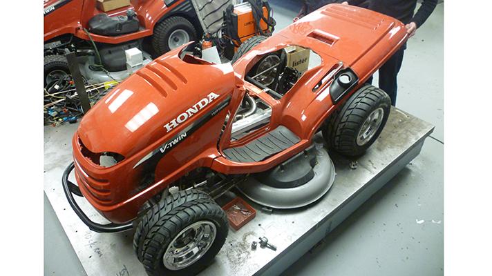 Honda super lawnmover side