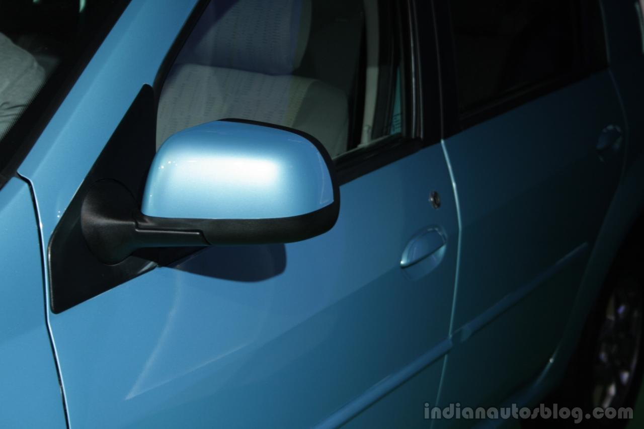Mahindra Verito Vibe rear view mirror