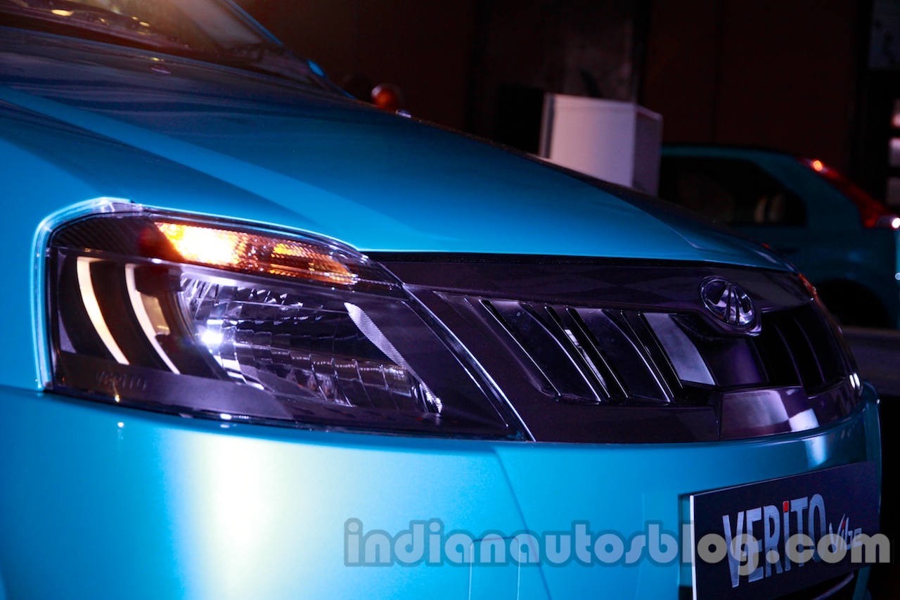 Mahindra Vibe carbon-finished front grille