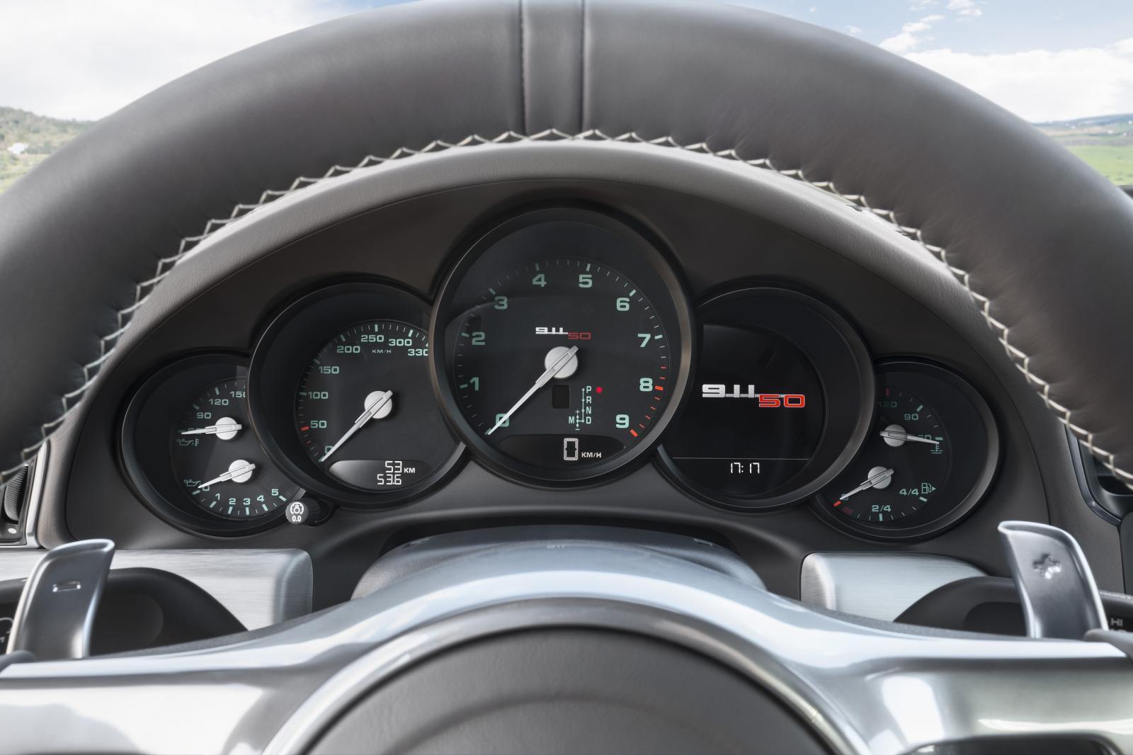 Porsche 911 50 Years Edition instrument display
