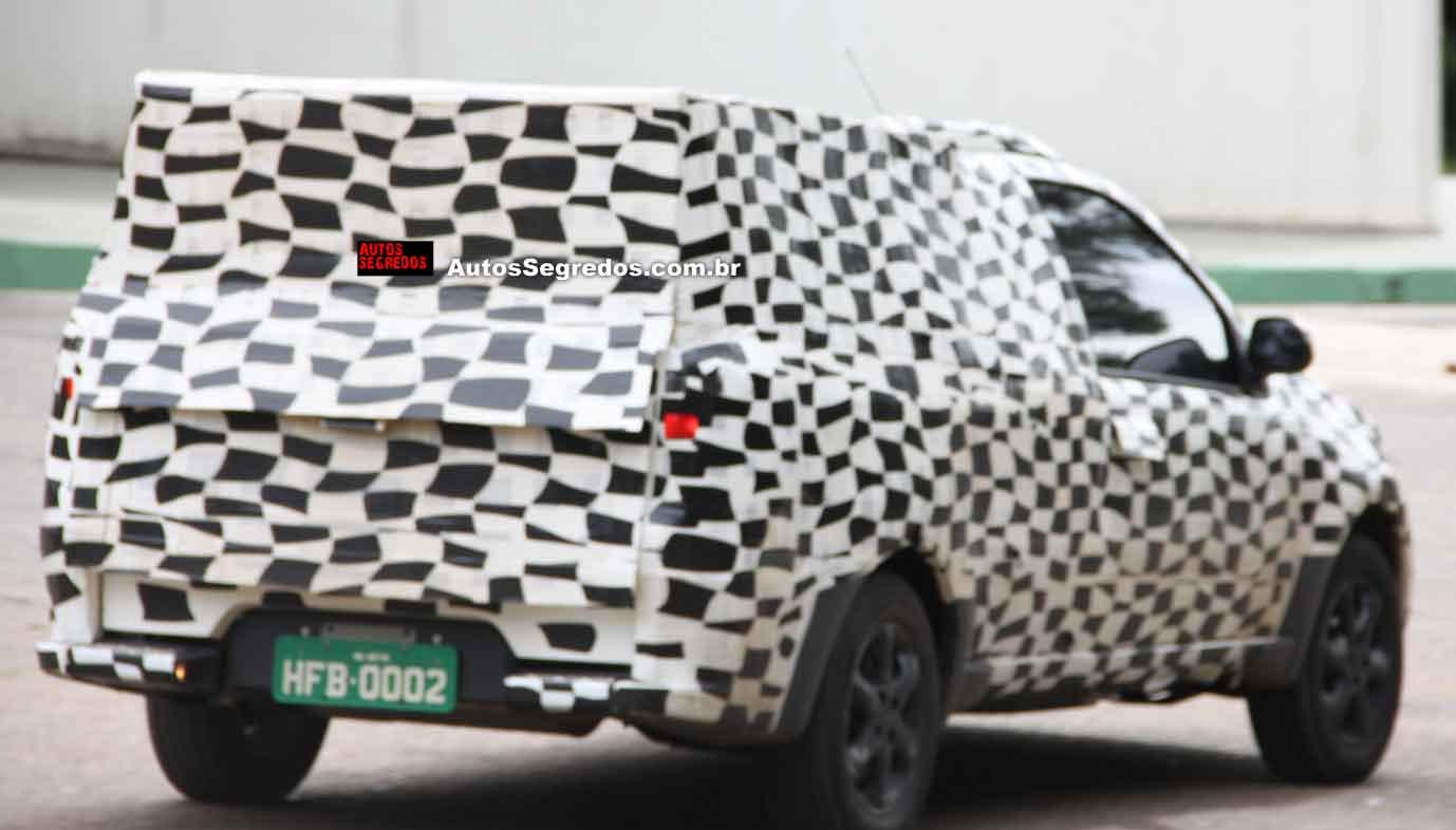 Rear of the 2014 Fiat Strada spied in Brazil