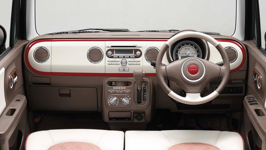 Suzuki Alto Lapin Chocolat dashboard