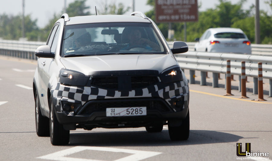 front of the Ssanyong Korando C facelift caught testing in South Korea