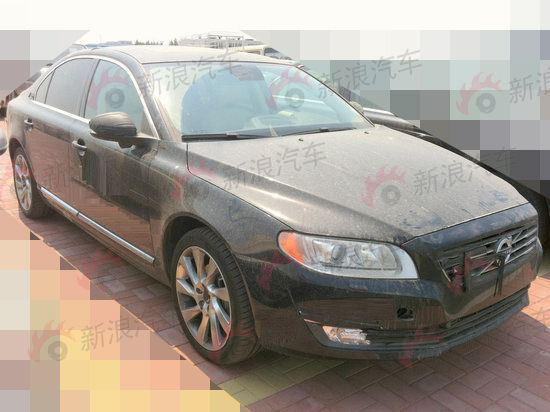front three quarters view of the Volvo S80L facelift spied in China