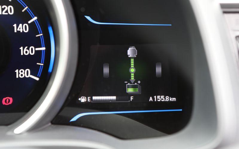 2014-Honda-Jazz-Fit-Hybrid-energy