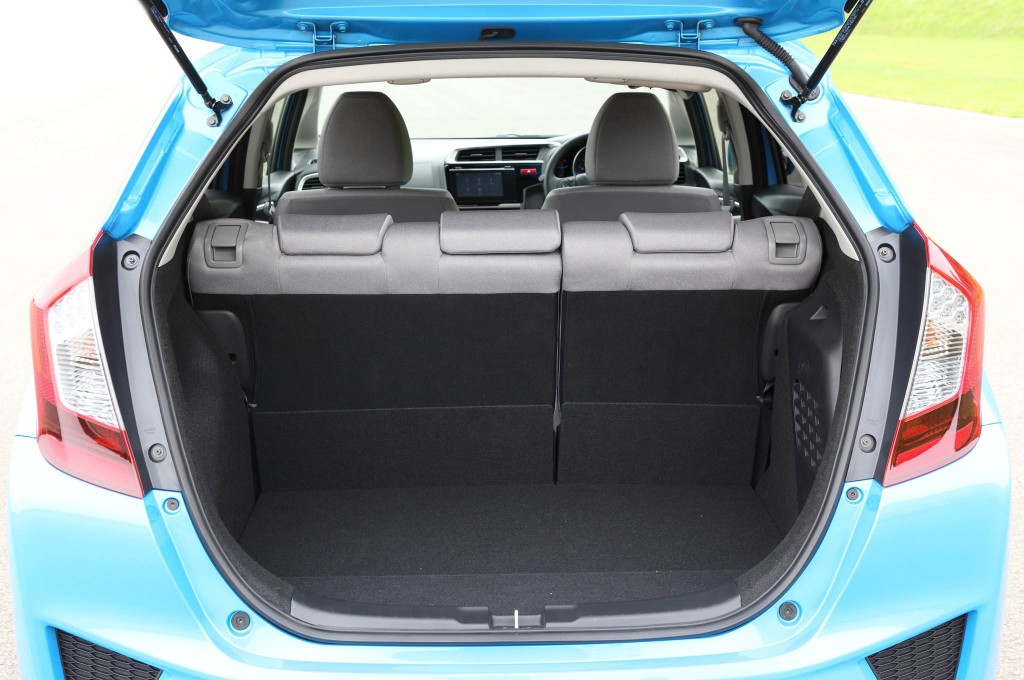 2014-Honda-Jazz-Fit-boot