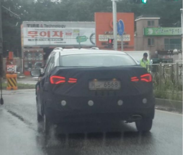 2014 Hyundai Elantra taillights