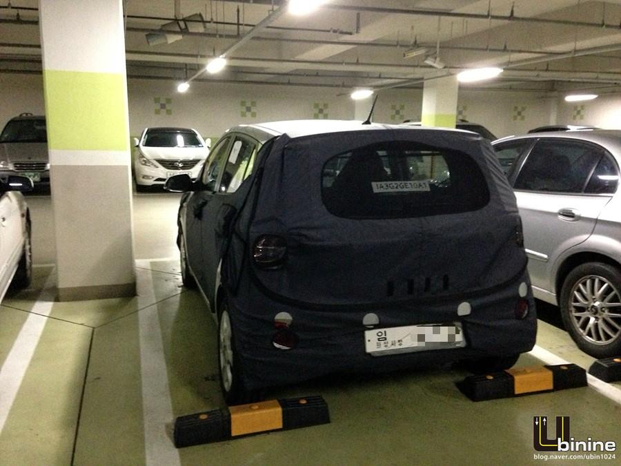 2014 Hyundai i10 spied rear