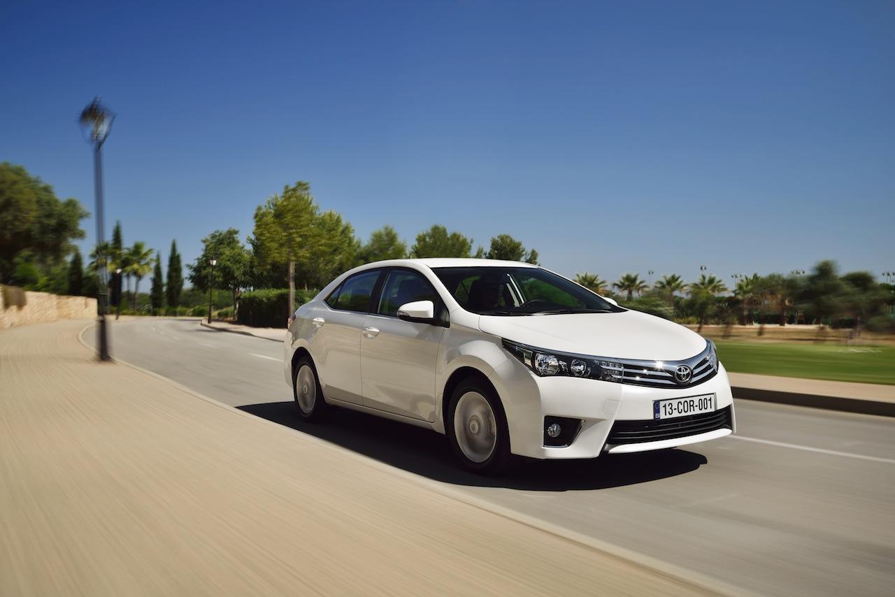 2014 Toyota Corolla European specification (16)