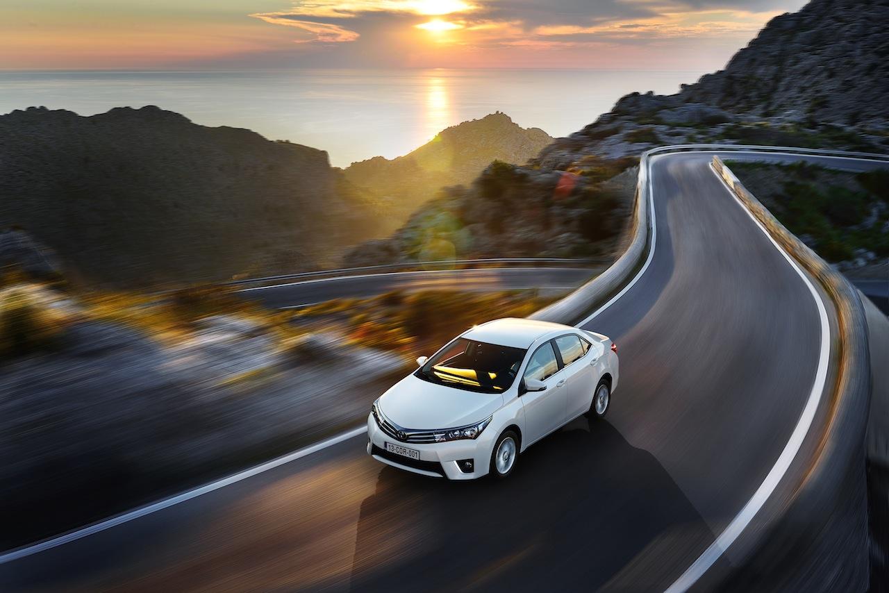 2014 Toyota Corolla European specification (33)