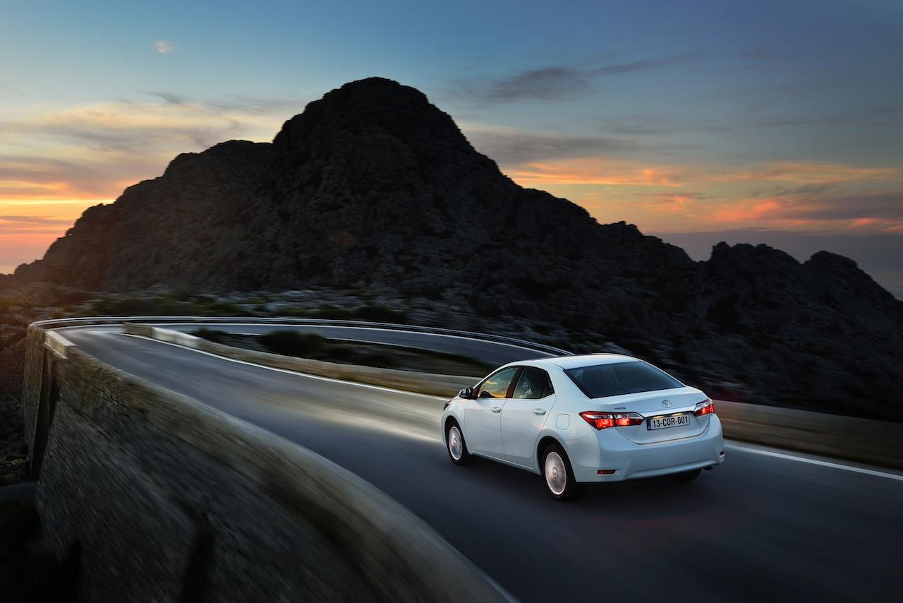 2014 Toyota Corolla European specification (34)