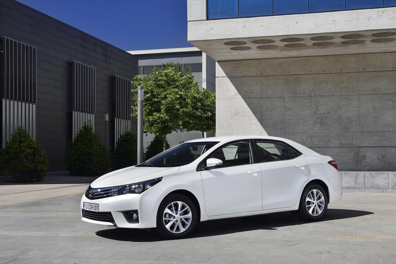 2014 Toyota Corolla European specification (39)