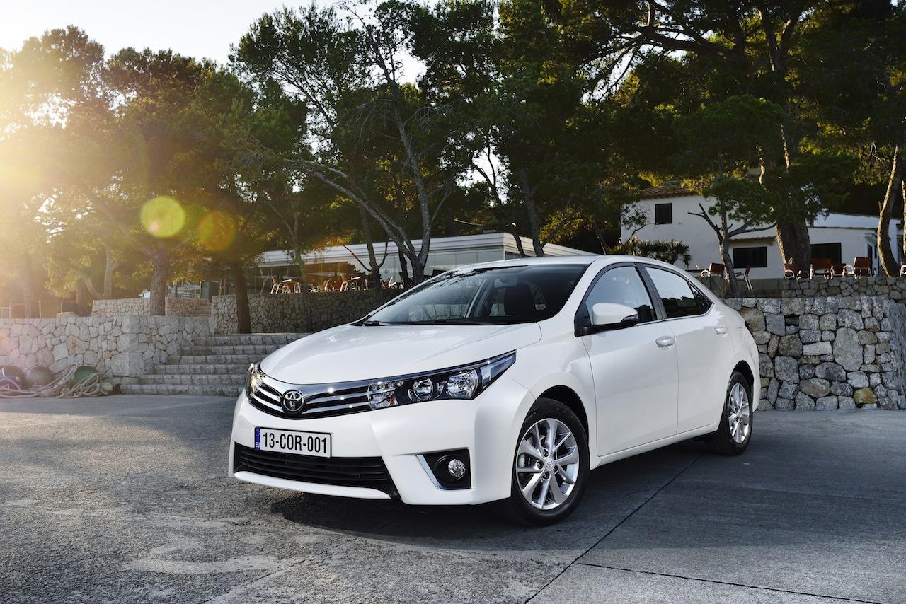 2014 Toyota Corolla European specification (44)