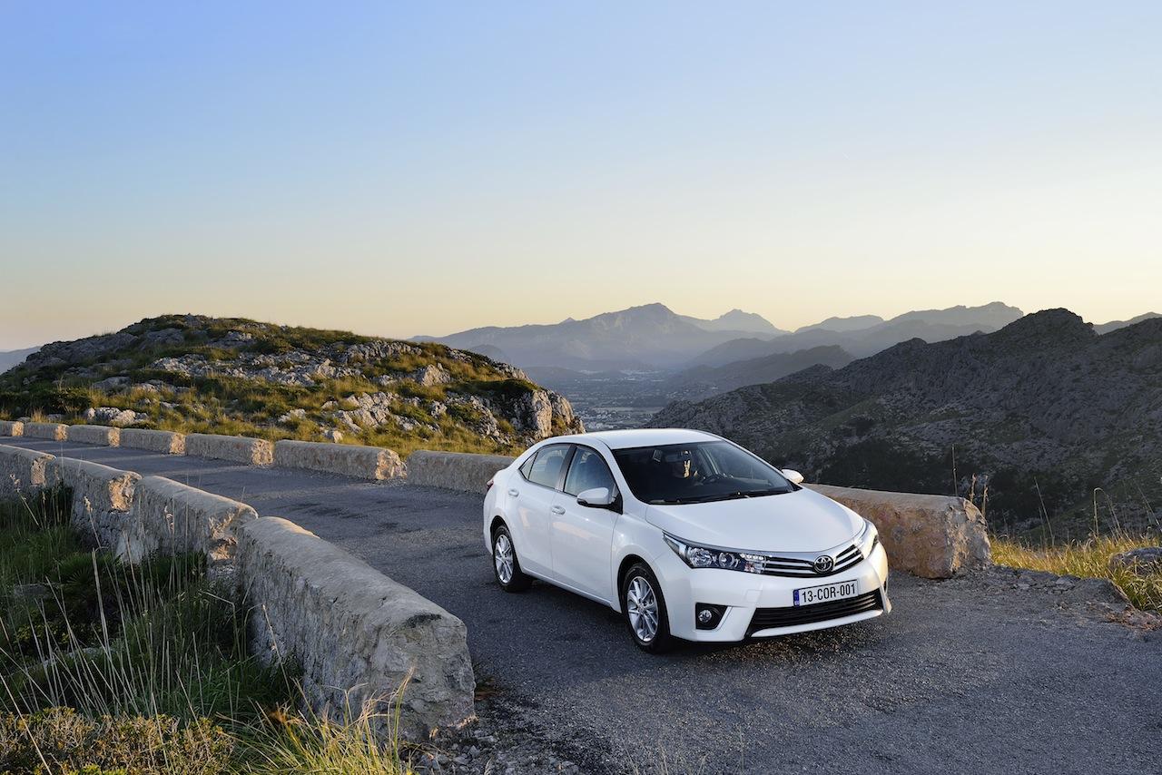 2014 Toyota Corolla European specification (45)