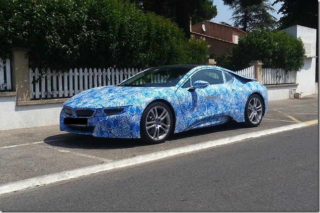 BMW i8 caugt testing-front