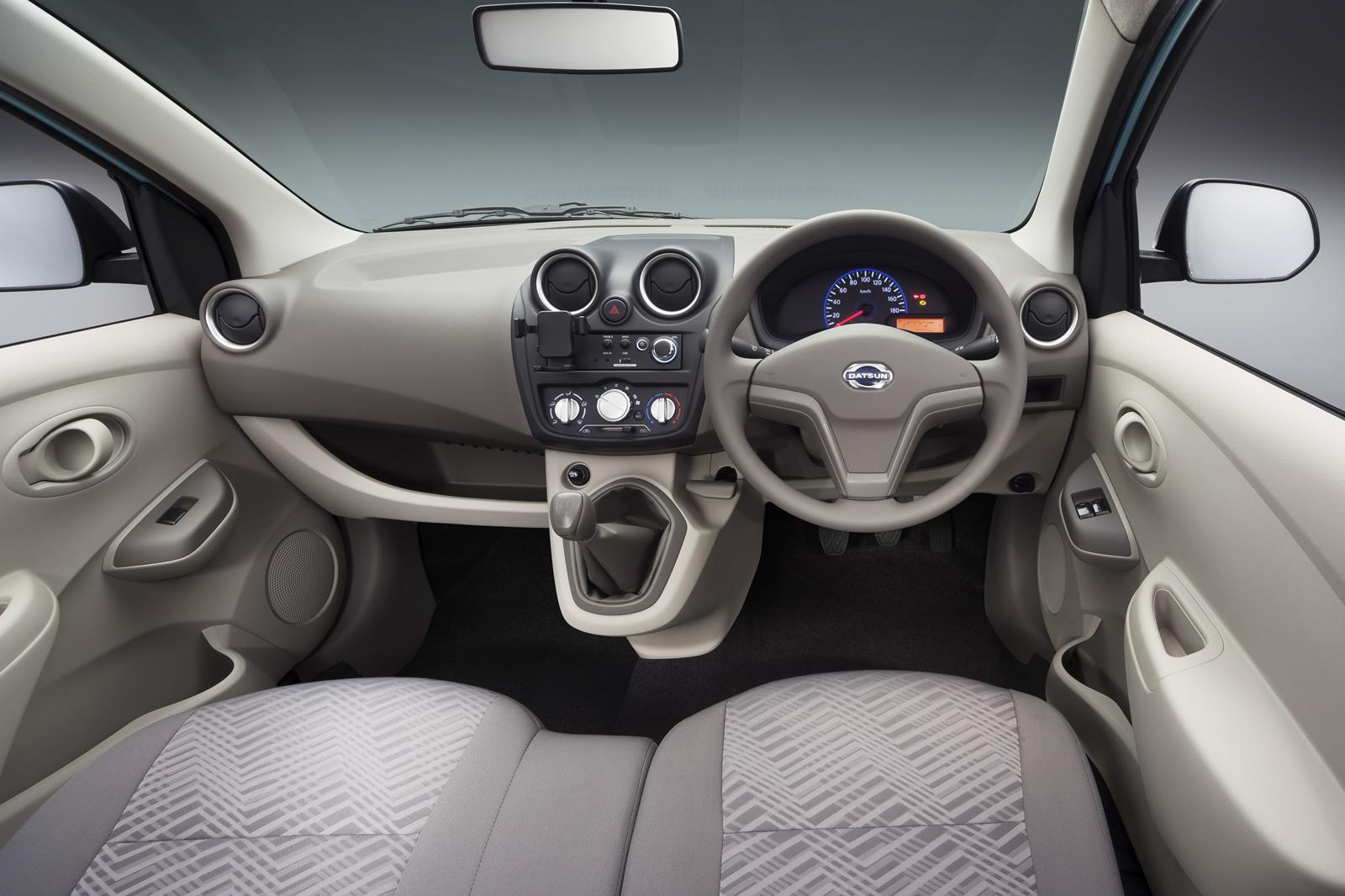 Datsun Go gets dashboard mounted gear lever and bench seat