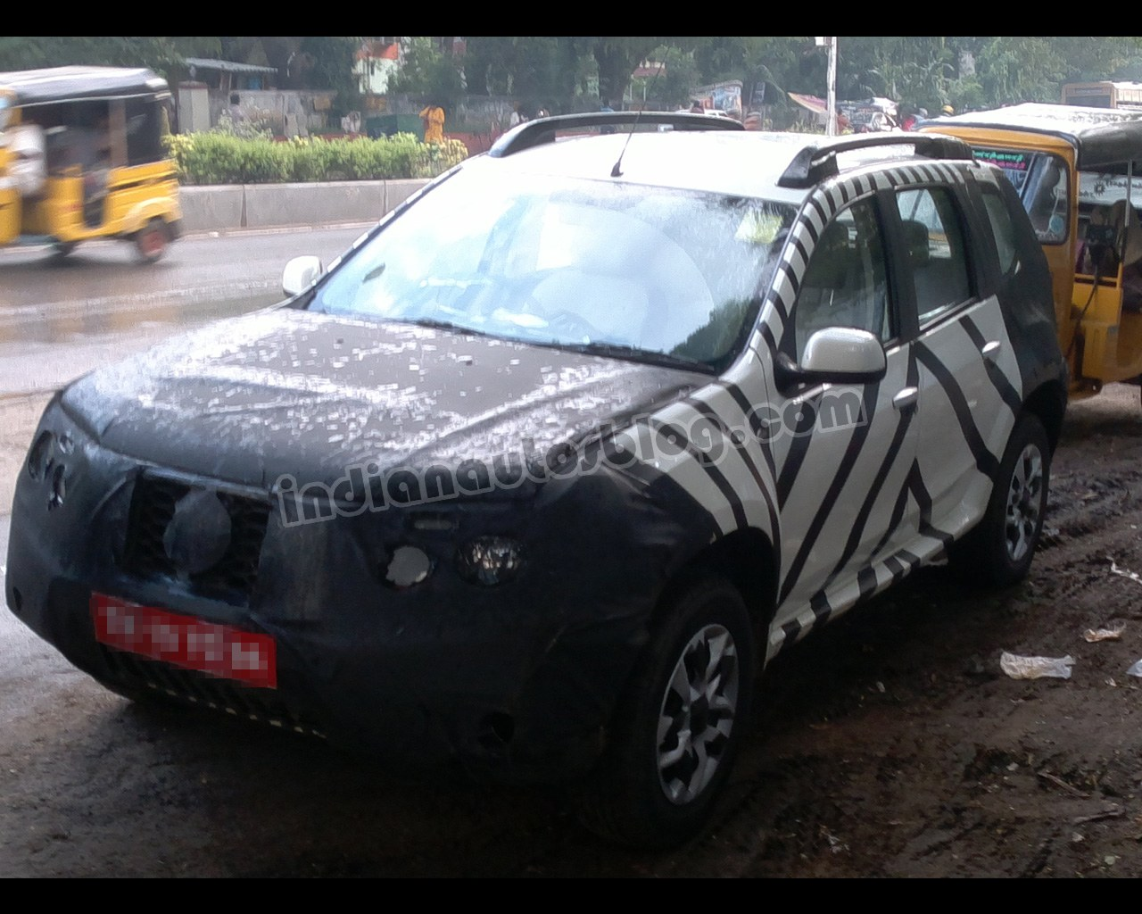 Front left three quarter of the Nissan Terrano test mule