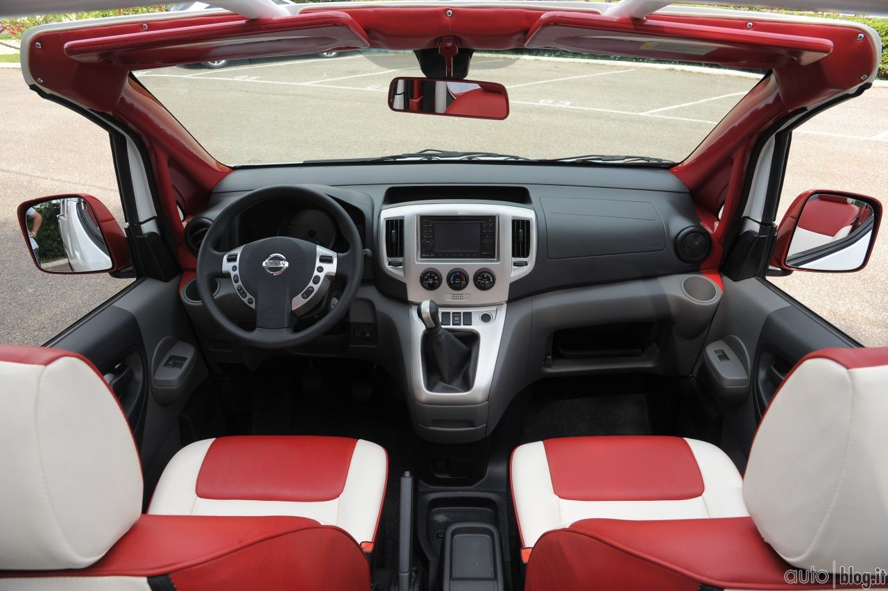 Interior of the Nissan Evalia C