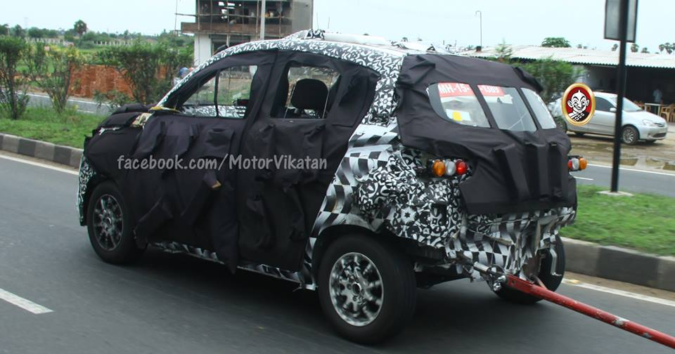 Mahindra S101 spied rear three quarter