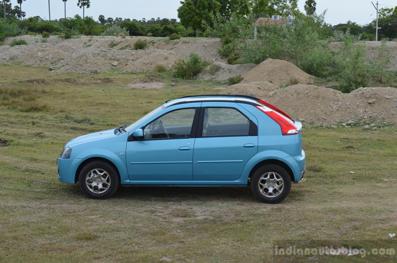 Mahindra Verito Vibe side