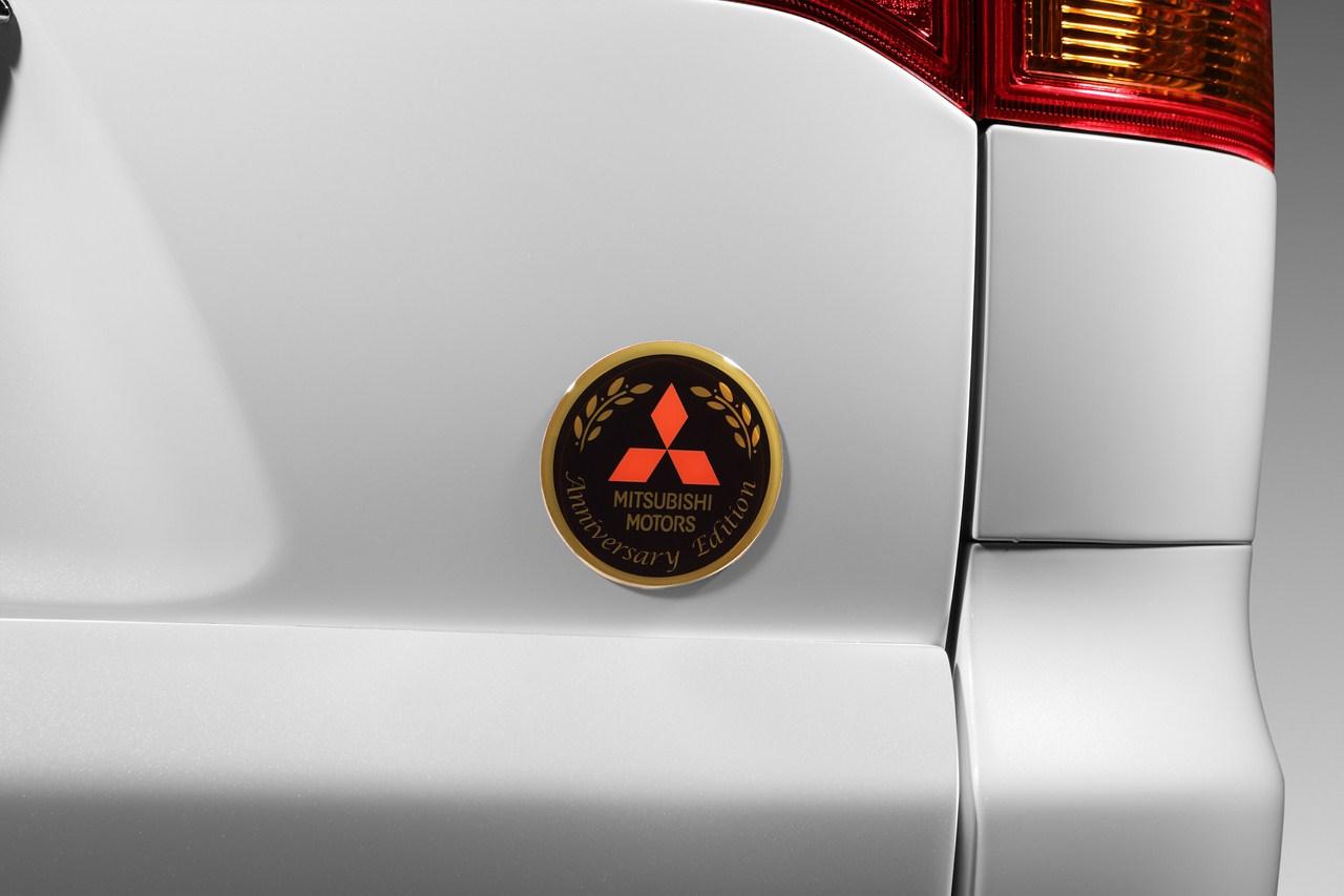 Mitsubishi Pajero Sport Anniversary Edition badge