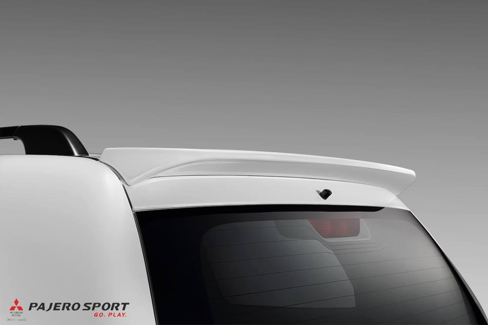 Roof spoiler of the Mitsubishi Pajero Sport Anniversary Edition