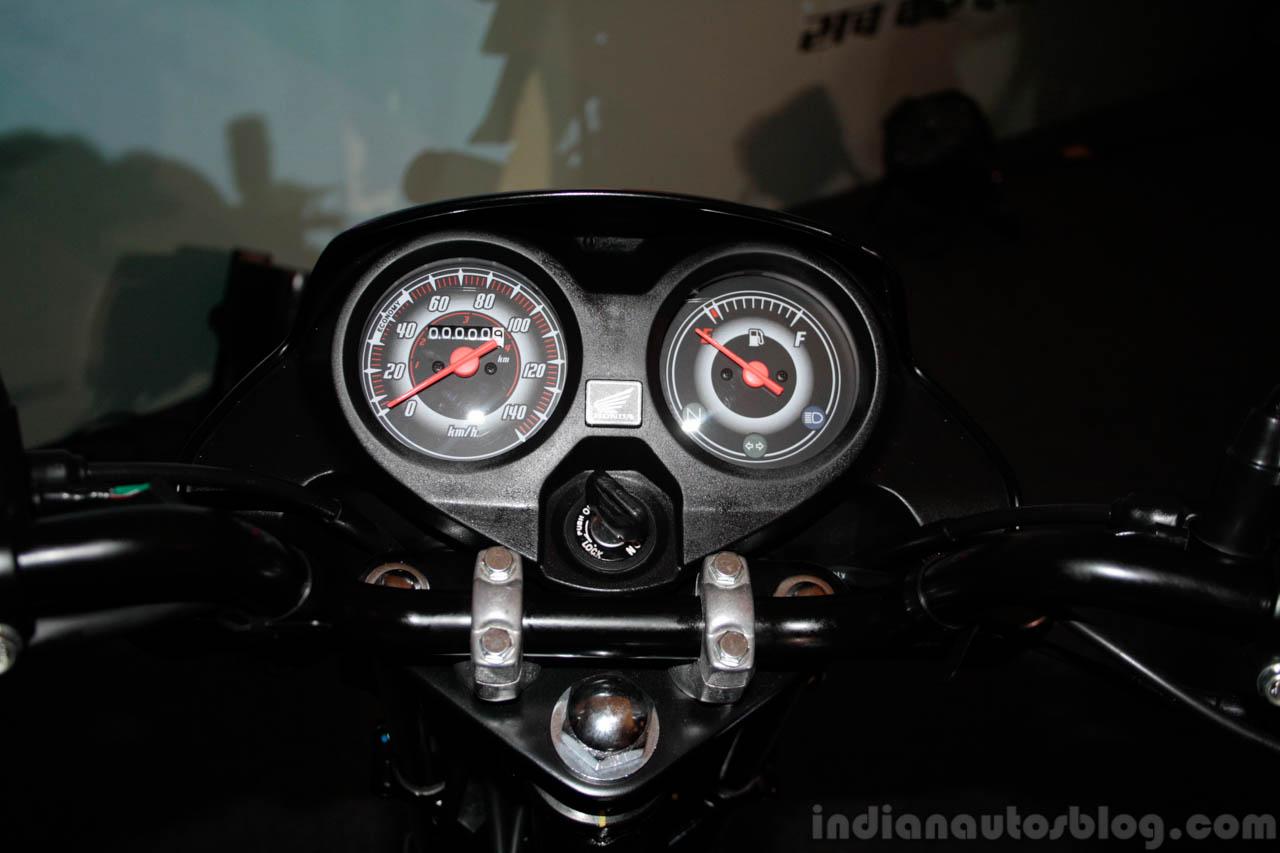 Speedometer of the Honda Dream Neo