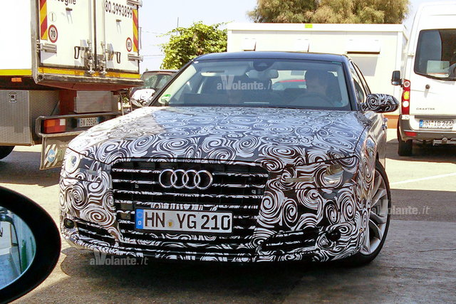 2014 Audi A8 spied in Italy - front