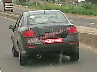2014 Fiat Linea Facelift spied in India rear