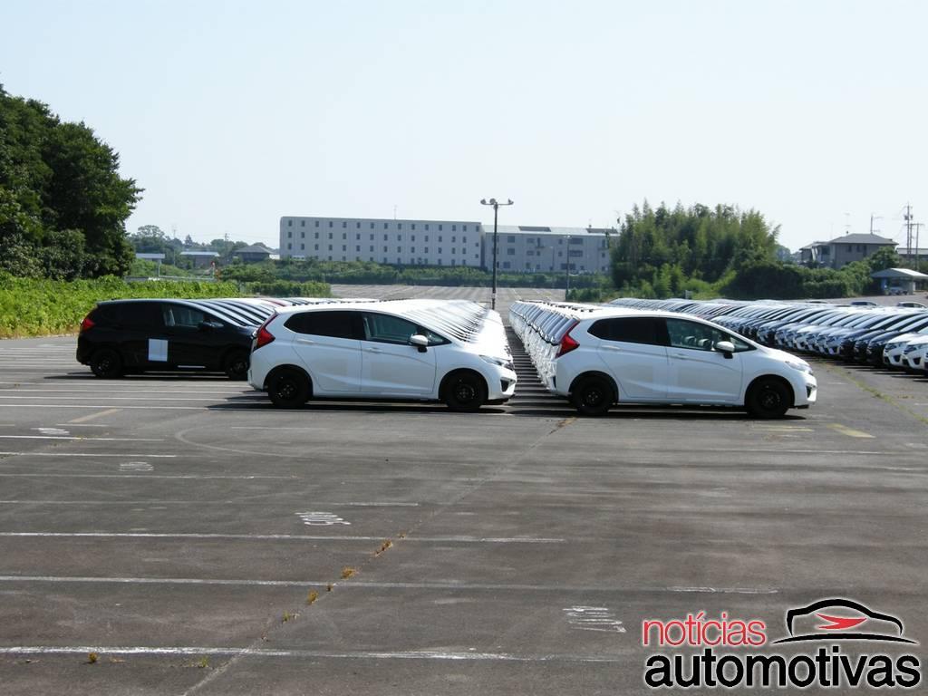 2014 Honda Jazz Fit await shipping in Japan