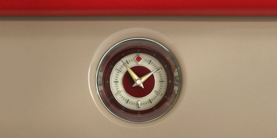 Clock of the Rolls Royce Phantom Coupe Ruby Limited Edition