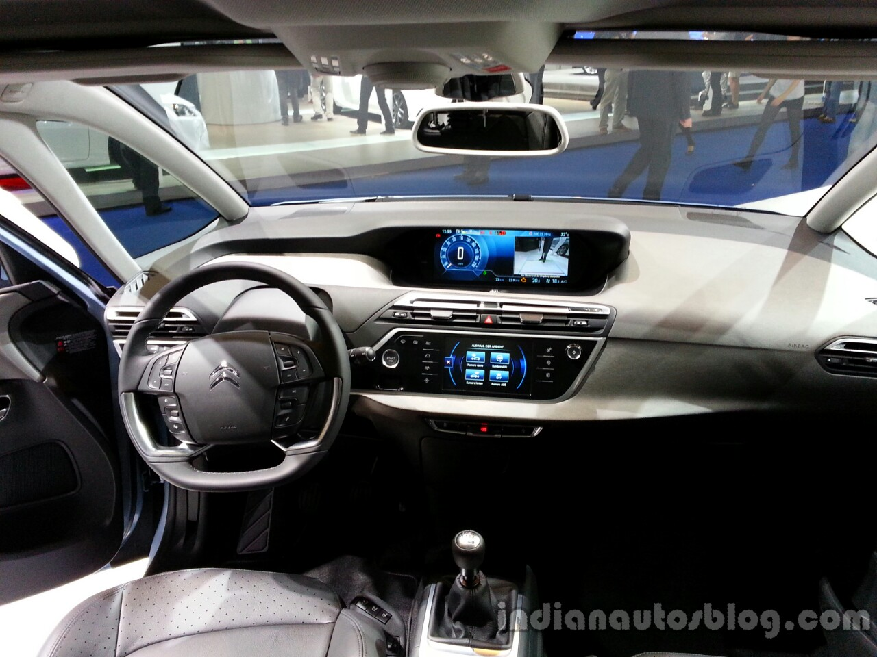 Citroen grand c4 picasso revealed frankfurt live - C4 picasso interior ...