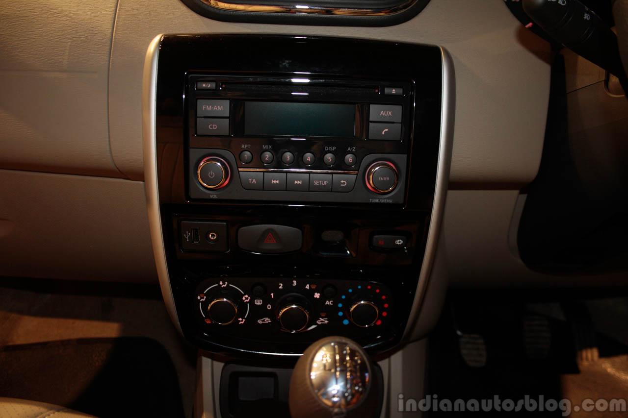 Nissan Terrano audio system
