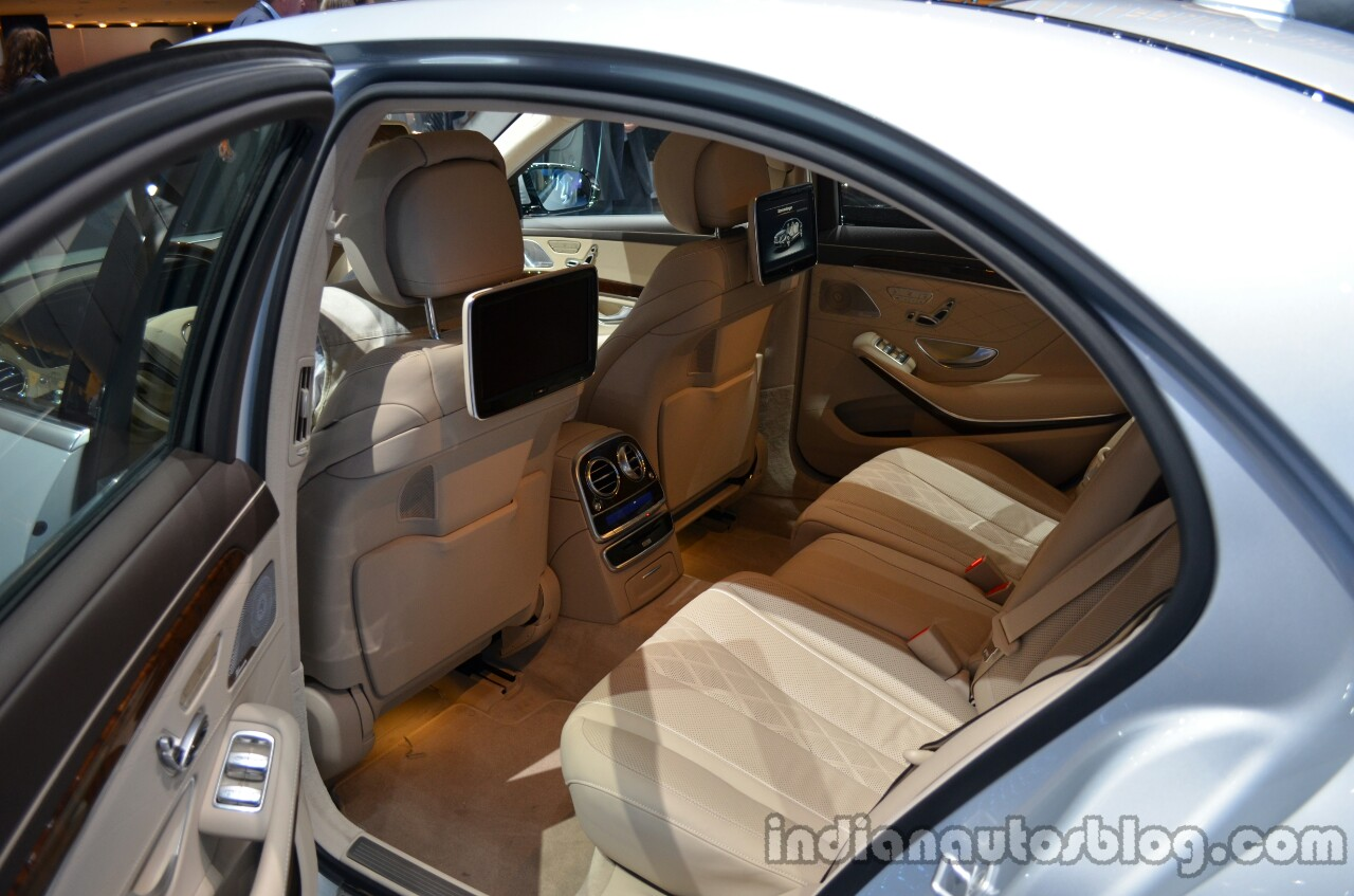 2014 Mercedes S Class S500 Plug-in Hybrid rear seats