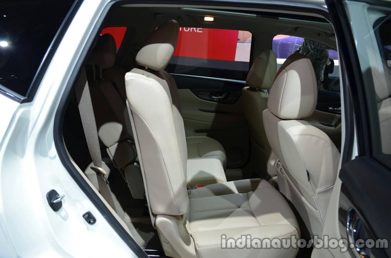2014 Nissan X-Trail rear sliding seats