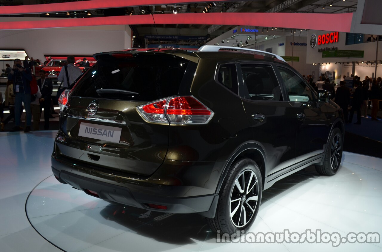 2014 Nissan X-Trail rear three quarter