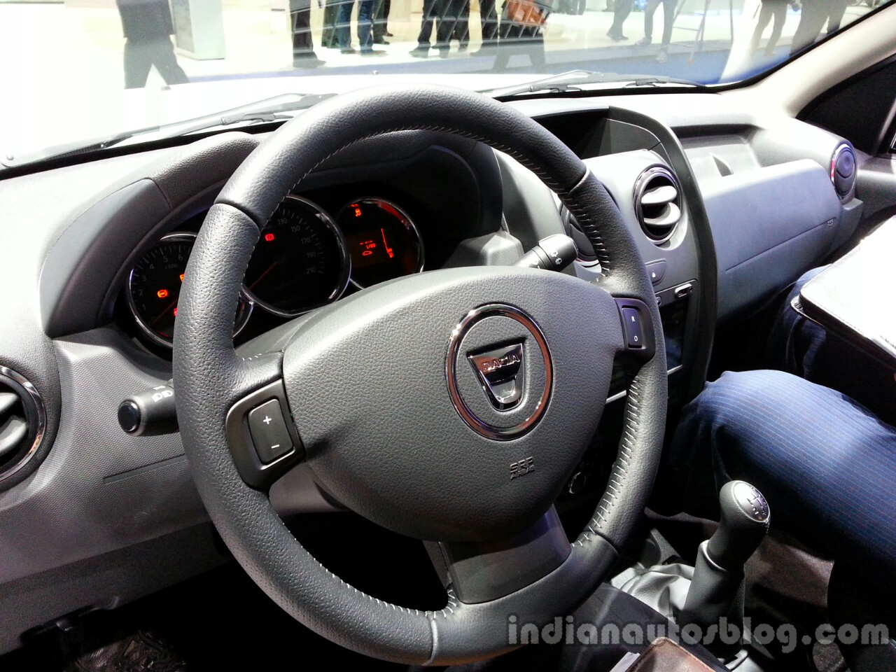 Dashboard of the 2014 Dacia Duster facelift