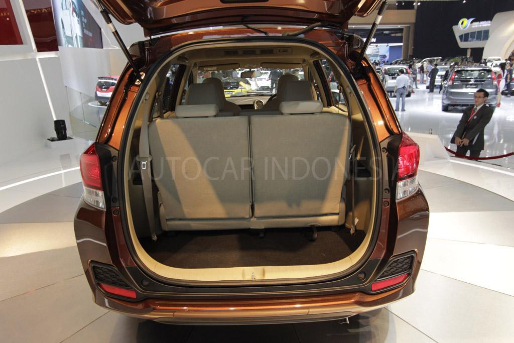 Honda Mobilio boot space