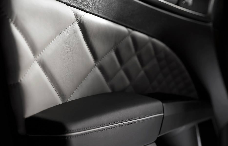 Leater trimmed door pads of the Ford Mondeo Vignale concept