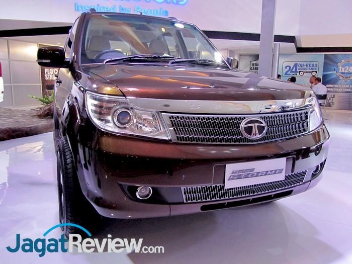 Modified Tata Safari Storme at 2013 Indonesia International motor show