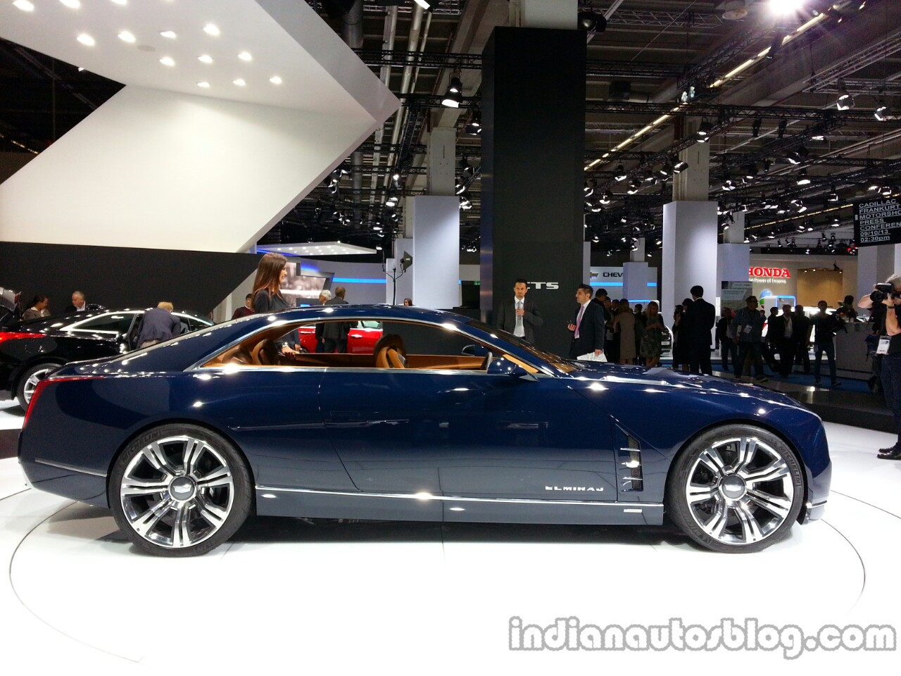 Profile of the Cadillac Elmiraj Concept
